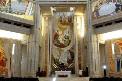 Prezbiterium – ściana centralna