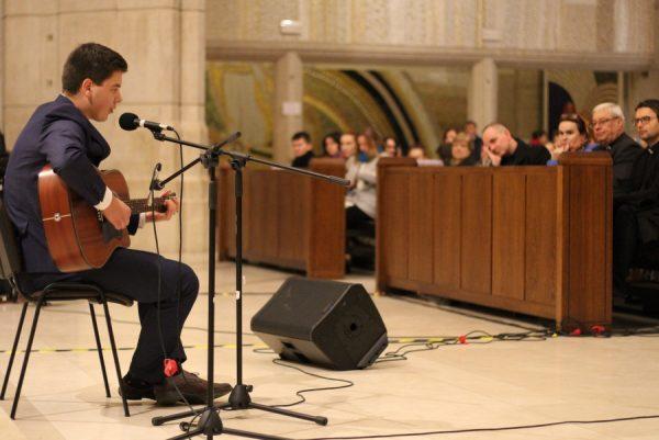Upamiętnili śpiewem Jana Pawła II