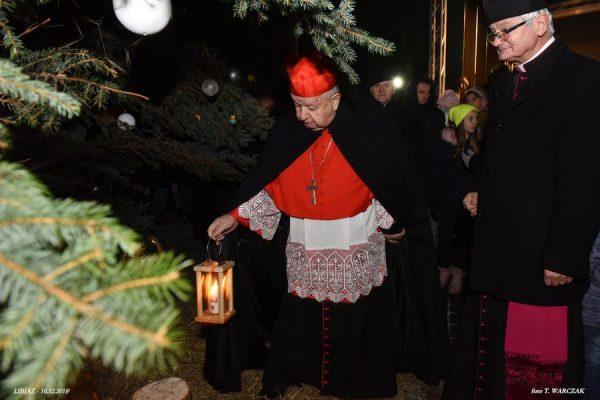 """Libiąż: """"Papieska Choinka"""" z kardynałem"""