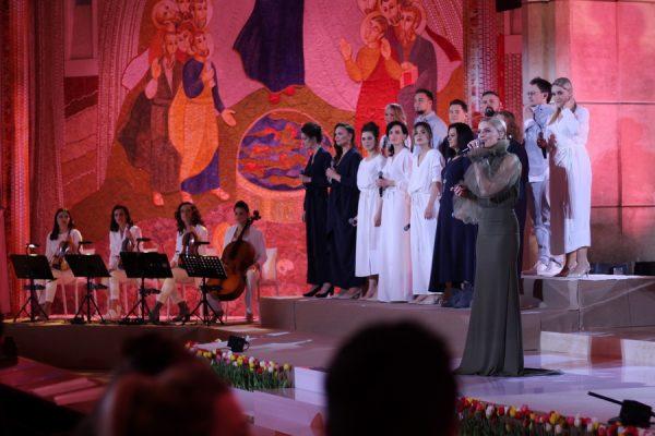 """Świąteczny koncert """"Wielka MOC"""" z Sanktuarium Św. Jana Pawła II"""