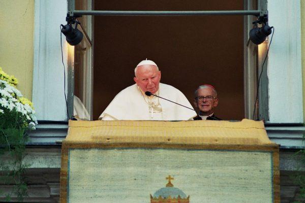 Św. Jan Paweł II patronem Województwa Małopolskiego? – Komentarz Abpa Marka Jędraszewskiego