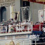 Jan Paweł II wygłasza przemówienie do wiernych zgromadzonych na Jasnej Górze.