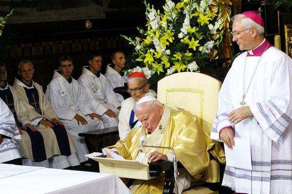17 lat temu Jan Paweł II po raz drugi odwiedził Kalwarię Zebrzydowską