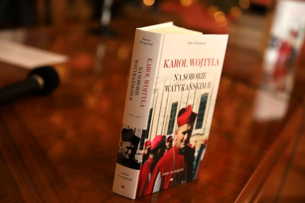 """""""Karol Wojtyła na Soborze Watykańskim II"""" – promocja książki ks. prof. Roberta Skrzypczaka"""