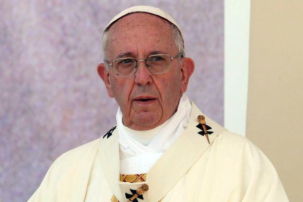 """Papież Franciszek w książce """"Św. Jan Paweł Wielki"""": Jan Paweł II był człowiekiem Boga"""