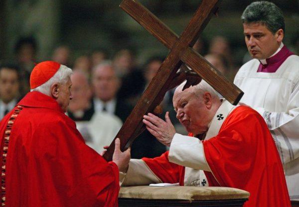 Kard. Comastri o św. Janie Pawle II