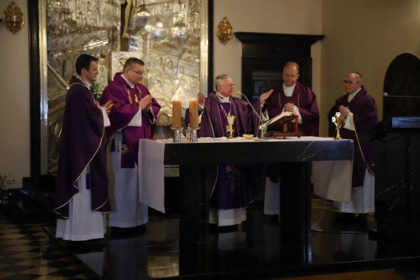 Abp Marek Jędraszewski: Chrystus kluczem do zrozumienia życia i działalności św. Jana Pawła II Wielkiego