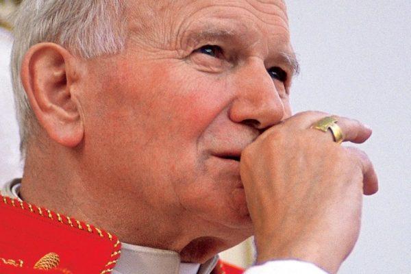 Franciszek do młodzieży o wielkim świadectwie Jana Pawła II