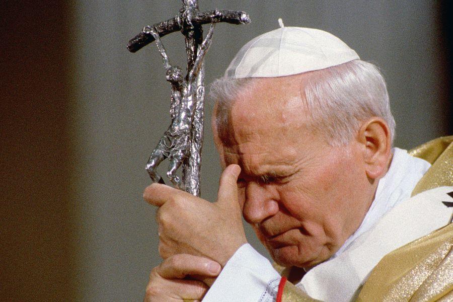 Jan Paweł II ma być żywy w naszych sercach i umysłach
