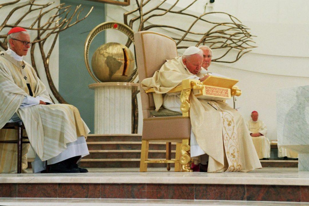 18 lat temu Jan Paweł II zawierzył w Łagiewnikach Świat Bożemu miłosierdziu