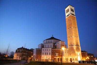 Inauguracja oświetlenia Wieży Fatimskiej przy sanktuarium św. Jana Pawła II