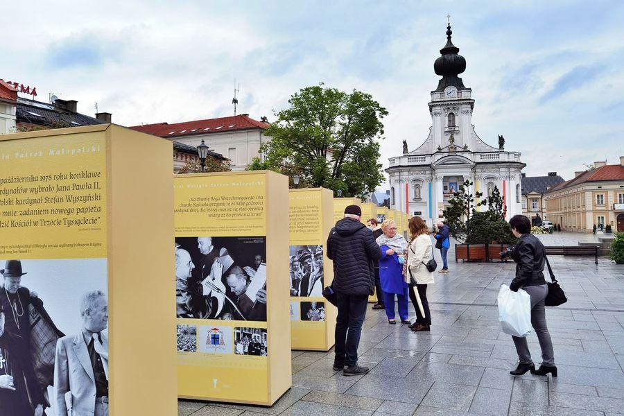 Wyjątkowe wystawy na 101. urodziny św. Jana Pawła II