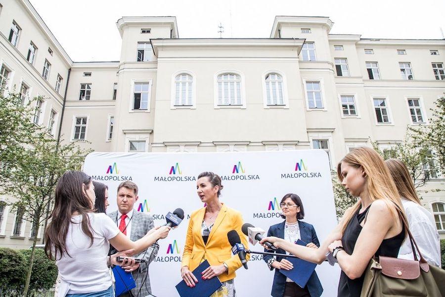 Ruszyła pierwsza edycja Małopolskiego Stypendium im. św. Jana Pawła II dla Mistrzów Edukacji